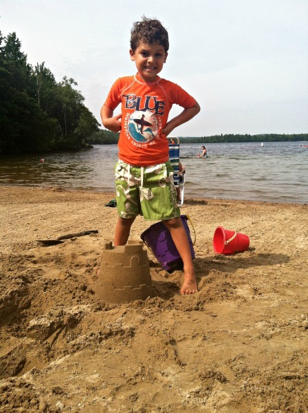 Making sandcastles at the lake--www.thethreeyearexperiment.com