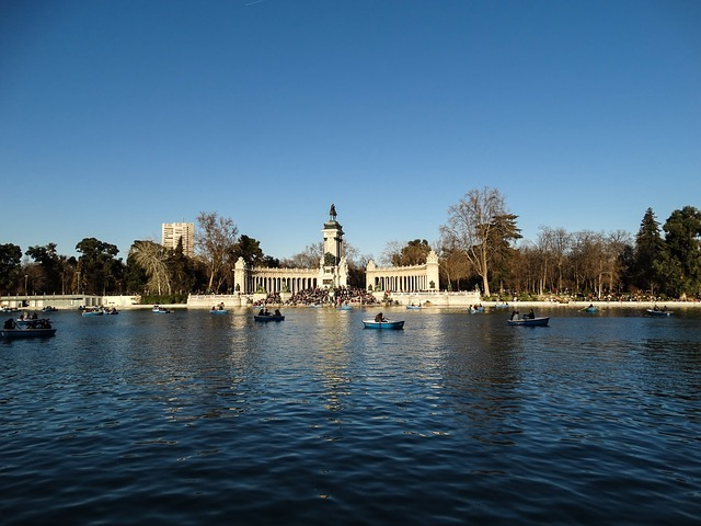 Buen Retiro Park Madrid--www.thethreeyearexperiment.com