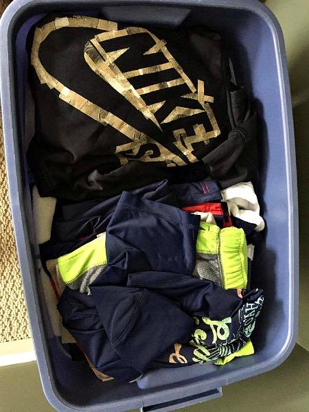 Box of clothes--www.thethreeyearexperiment.com
