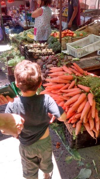 Mercado in Chile--www.thethreeyearexperiment.com