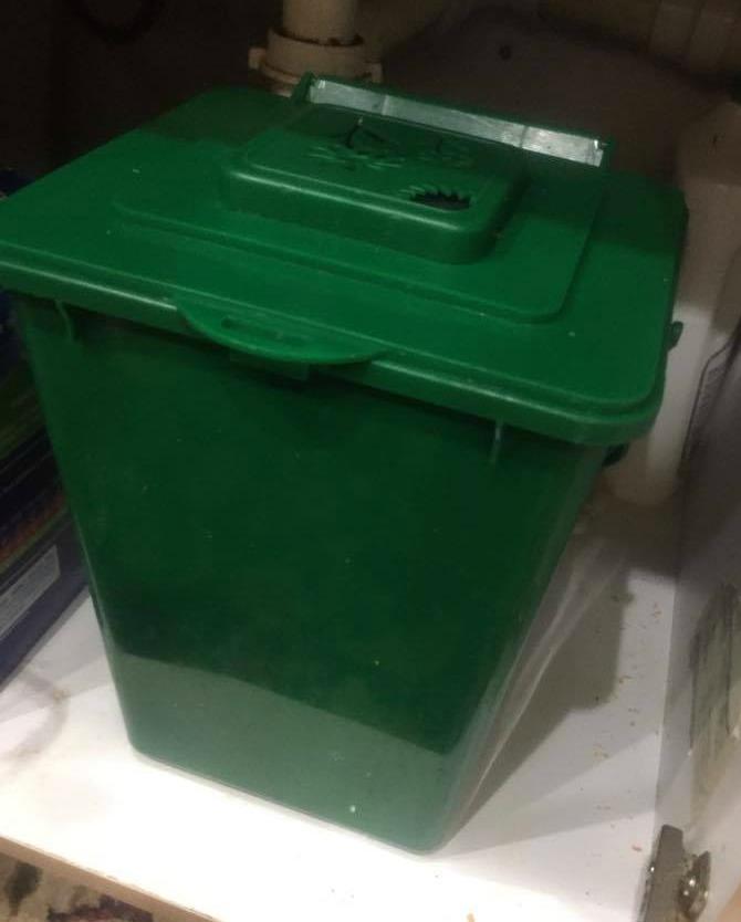 Compost bin--www.thethreeyearexperiment.com