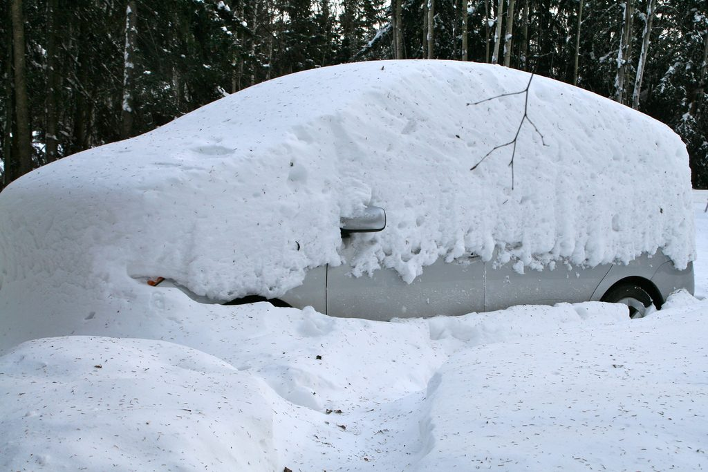 Prius Snowed in--www.thethreeyearexperiment.com
