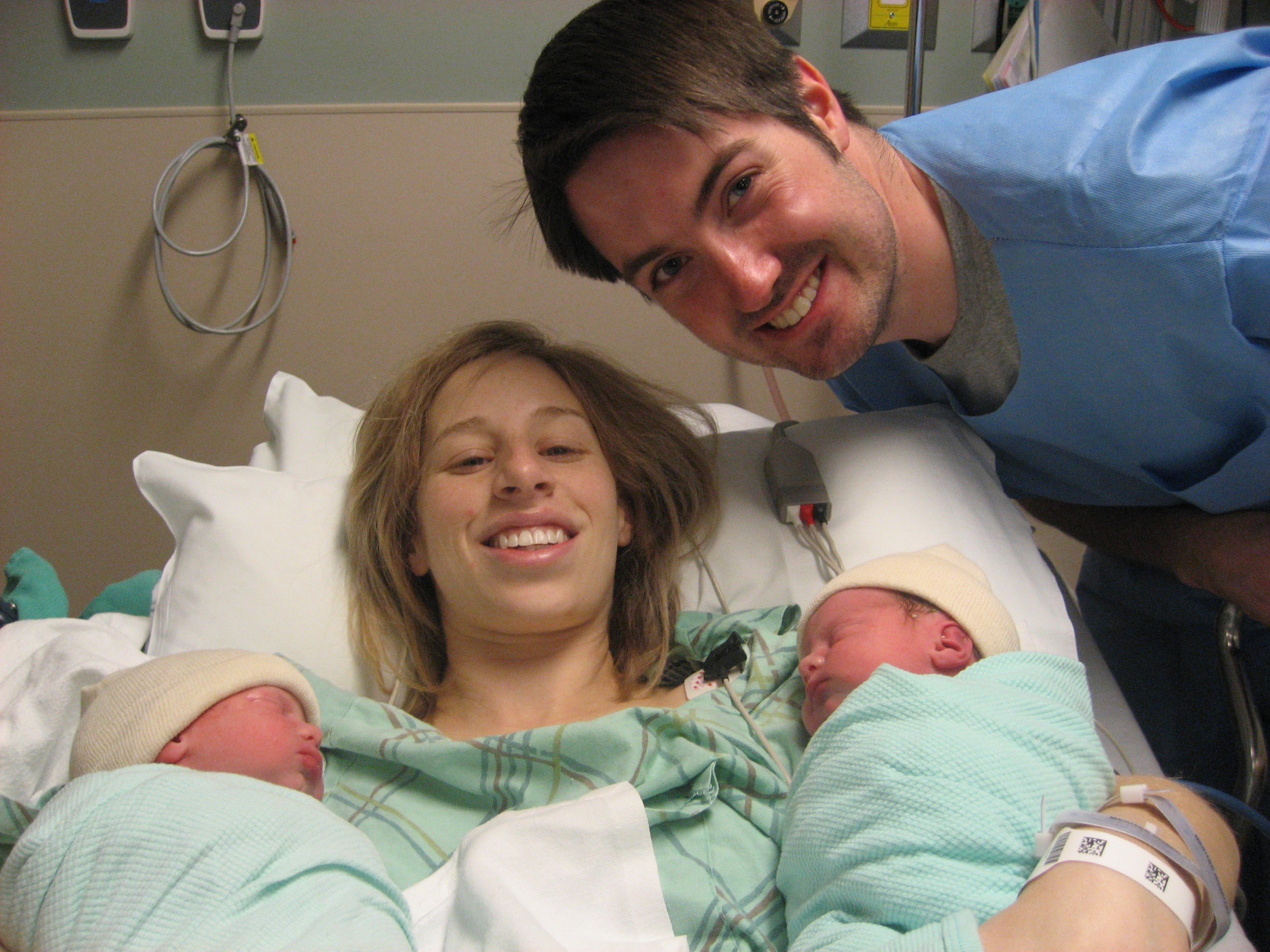 Jaime in the hospital with twins location independence www.thethreeyearexperiment.com