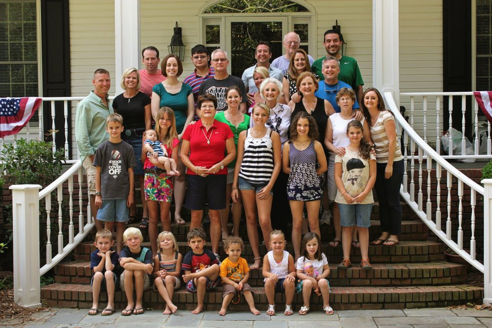 Fourth of July family photo www.thethreeyearexperiment.com