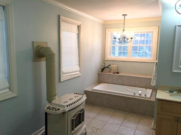 Minimalist spa bathroom--www.thethreeyearexperiment.com