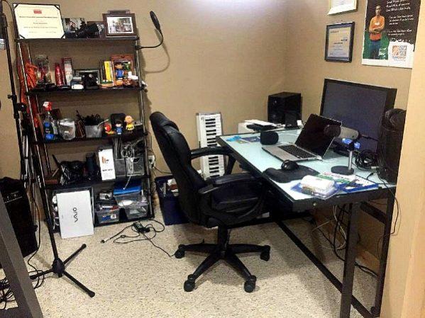 Messy husband desk--www.thethreeyearexperiment.com