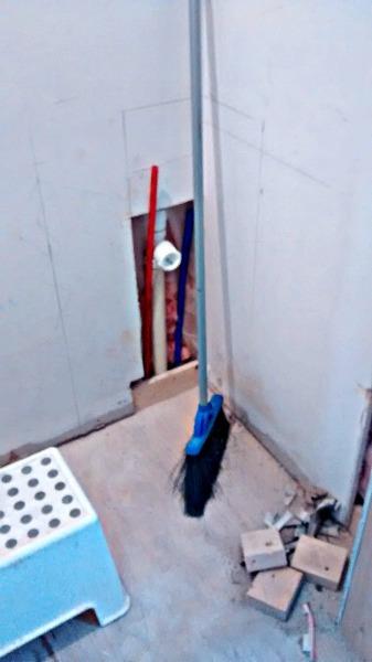 sink drain--www.thethreeyearexperiment.com