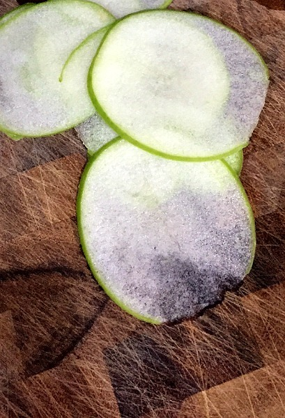 Apple slices--www.thethreeyearexperiment.com