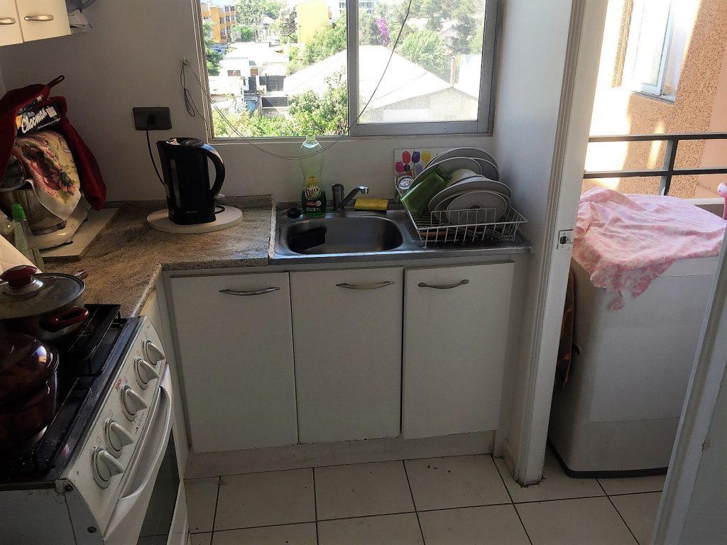 Kitchen 2--www.thethreeyearexperiment.com