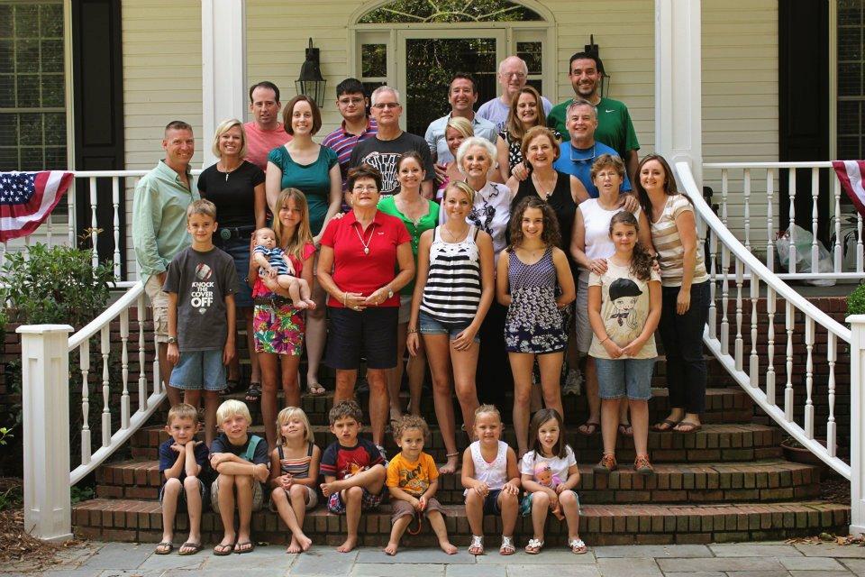 Fourth of July family photo www.thethreeyearexperiment.com