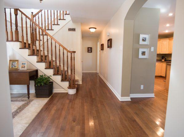hallway--www.thethreeyearexperiment.com
