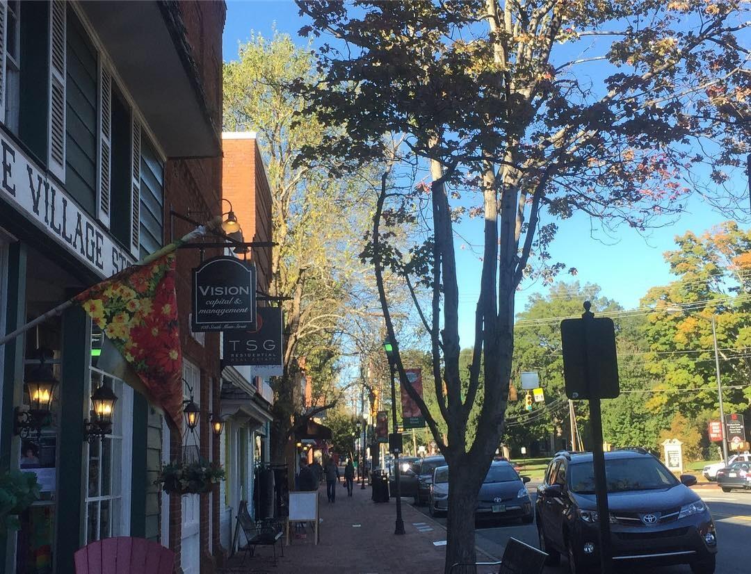 Downtown Davidson www.thethreeyearexperiment.com